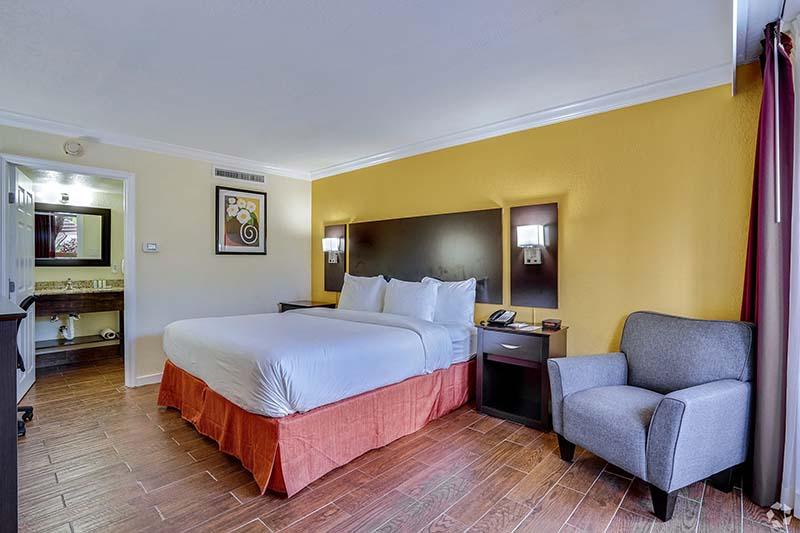 Single queen bedroom.